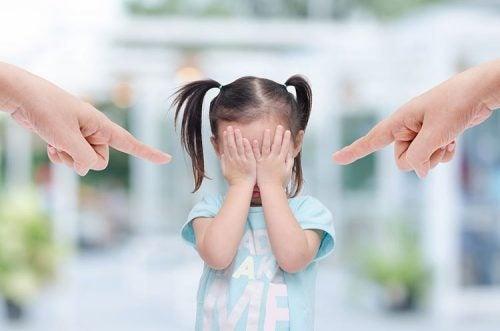 Hvis du lader dine frustrationer gå ud over dine børn kan de ende med at få lavt selvværd