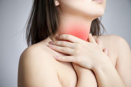 Hjem retsmidler som er billige: Behandling af ondt i halsen