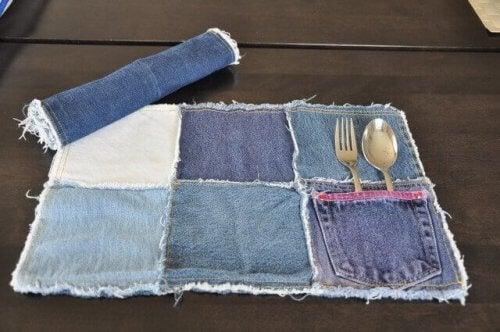 Lav dækservietter, og beskyt dit spisebord