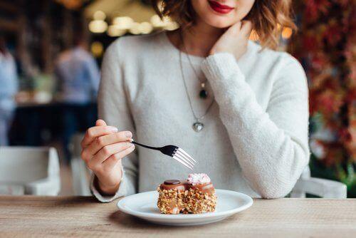 Syv ting du bør undgå at gøre, lige efter du har spist