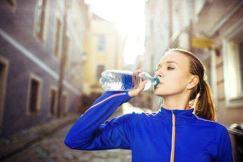 Sørg altid for at drikke masser af vand. Det er en af nøglerne til at få en perfekt figur