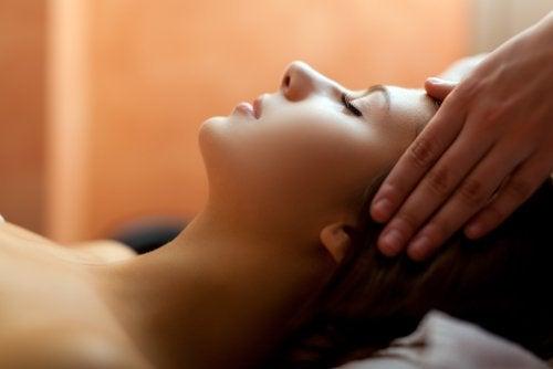 massage mod hovedpine uden medicin