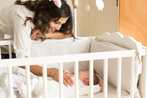 Den første dag hjemme med en nyfødt baby er ofte den sværeste
