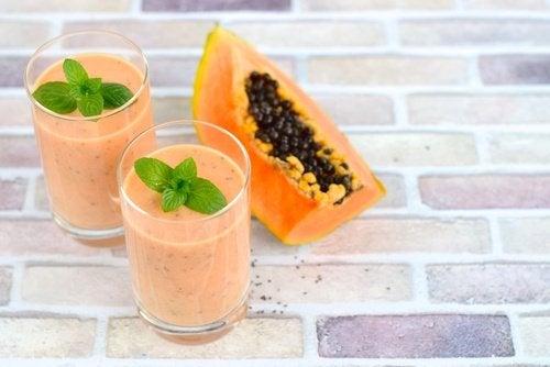 Glas papaya smoothie