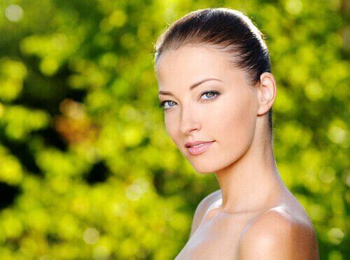 Kvinde med dejlig hud