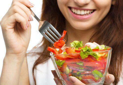 En sund kost sikrer at du får de næringsstoffer, som kroppen har brug for