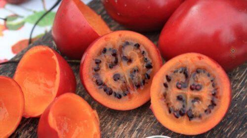 Trætomater ligner tomater i udseende, men er sødere