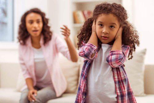 Bøn kan gøre oprør mod deres forældre ved at ignorere deres ordrer