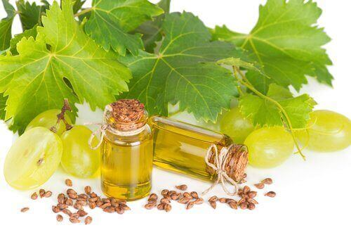 Vindruekerneolie indeholder antioxidanter og mineraler