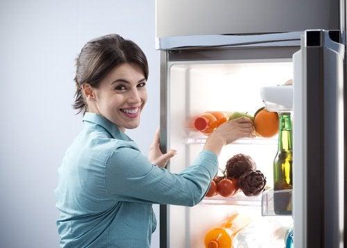 Opbevaring af madvarer i køleskab