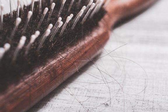 Sådan kan du behandle hårtab naturligt