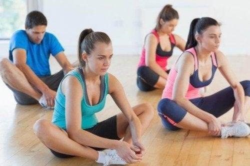 Udstrækning til at forbedre fleksibiliteten i benene
