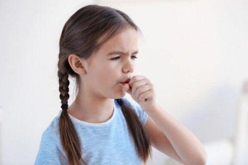 Hoste om natten: Behandlingsmetoder til at lindre hoste