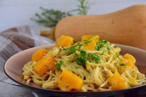 Gå ikke glip af denne lækre ret med spaghetti og græskar