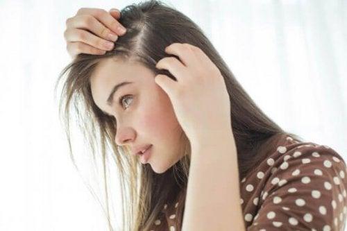 10 tips til at styrke din hovedbund og få sundt hår