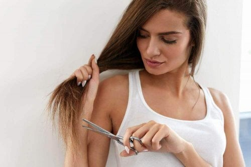 Reparer spaltede spidser uden at klippe håret
