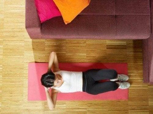 Fem nemme øvelser til at træne mavemuskler