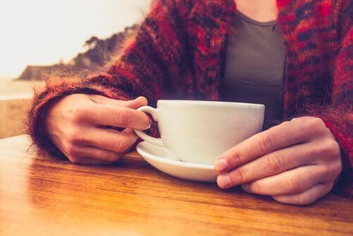 der kan være mange fordele ved at indtage mindre kaffen