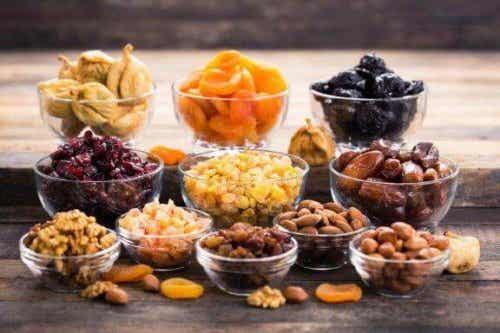 Fire opskrifter med nødder, du skal prøve
