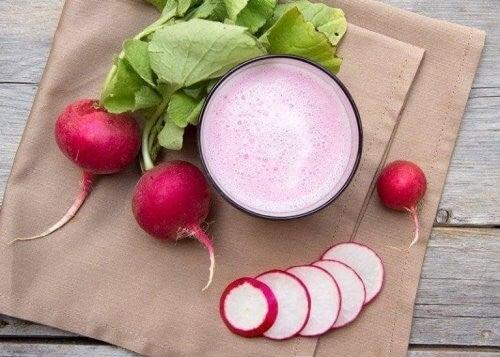 Lav en lækker og slankende juice med radiser
