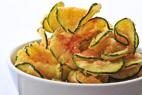 Tre opskrifter på sunde grøntsagschips