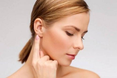 Prøv disse naturlige midler mod tinnitus
