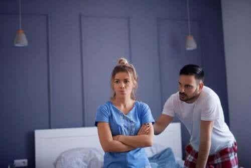 Bør du redde dit forhold ved at ignorere utroskab?