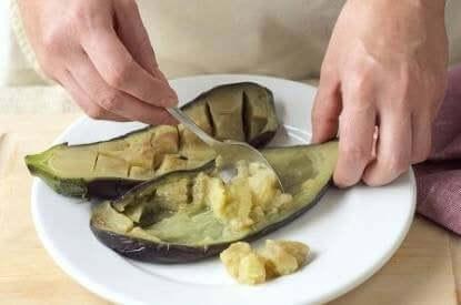 aubergine der bliver udhulet