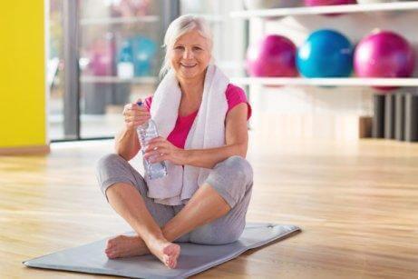 En dame dyrker motion