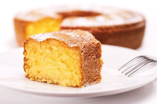 kage på en tallerken