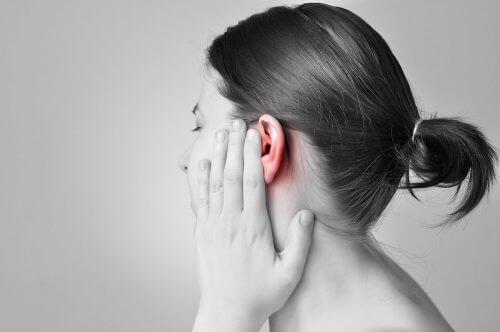 8 hjemmelavede midler til at få vand ud af ørerne