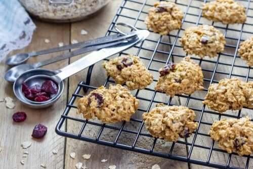 Prøv småkager med nødder og honning