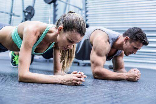Muskelsmerte: Hvad sker der, når du træner for meget?