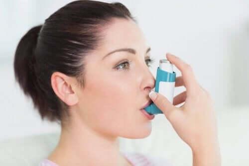 Inhalatorer mod astma gør det nemmere at trække vejret