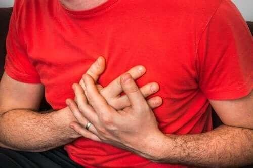 Årsager til brystsmerter under hoste