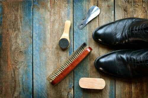 5 nyttige tips til at rengøre lædersko