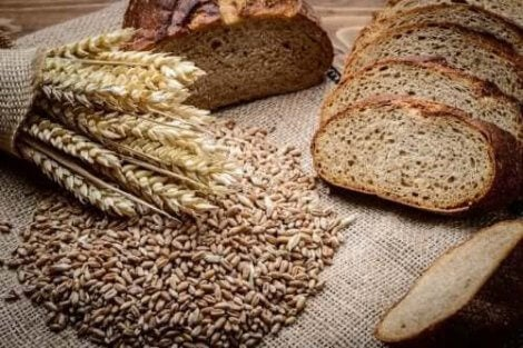 Brød med rug og spelt