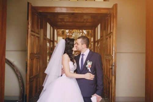 Den bedste årstid til et bryllup afhænger af mange ting, såsom personlige ønsker og overbevisninger