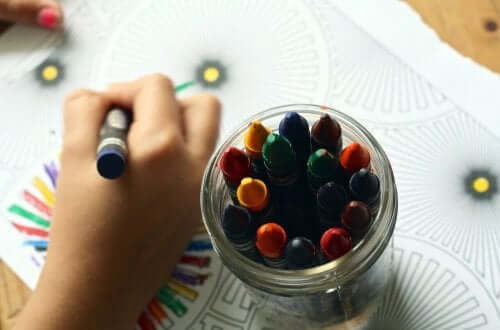 Farveblyanter og malebog