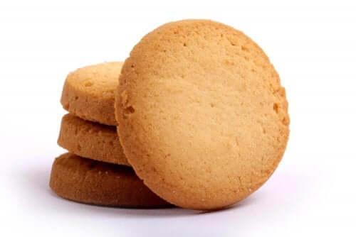 Flødesmåkager er et nemt alternativ til færdiglavede småkager i butikkerne