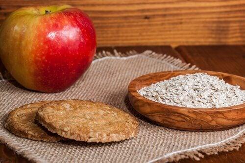 Du kan bruge frugter som æbler til at søde dine bagværk