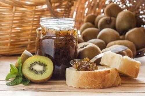 Kiwi er en god frugt til marmelade uden tilsat sukker