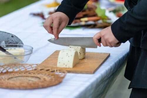 De bedste tips til at skære ost