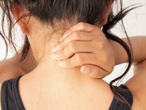 Ondt i nakken kan være symptom på myasthenia gravis