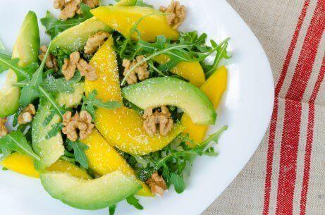 Mango er en frugt, der giver dine salater en karakteristisk smag