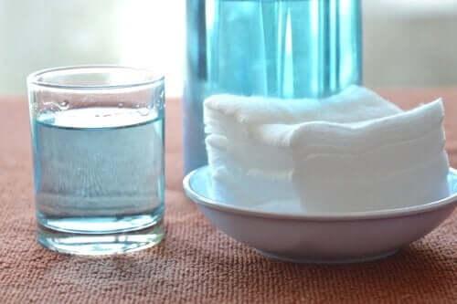 Brintoverilte er et kraftfuldt desinfektionsmiddel, der efterlader din ovn pletfri