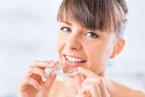 Hvad er gennemsigtige tandskinner?