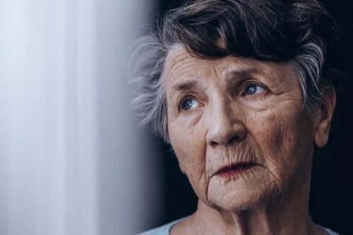 Forskellen på demens og Alzheimers