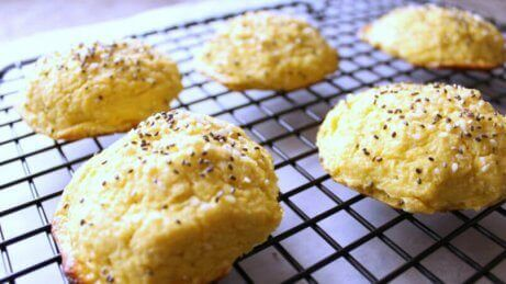 Sorte sesamfrø anvendes til at fremstille bagværk