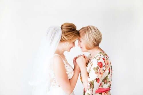 6 tips til påklædning til brudens eller brudgommens mor